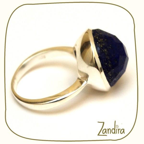 Bague ronde en argent et pierre bleue (lapis-lazuli)