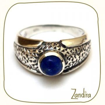 Bague fine et petite pierre de lapis lazuli