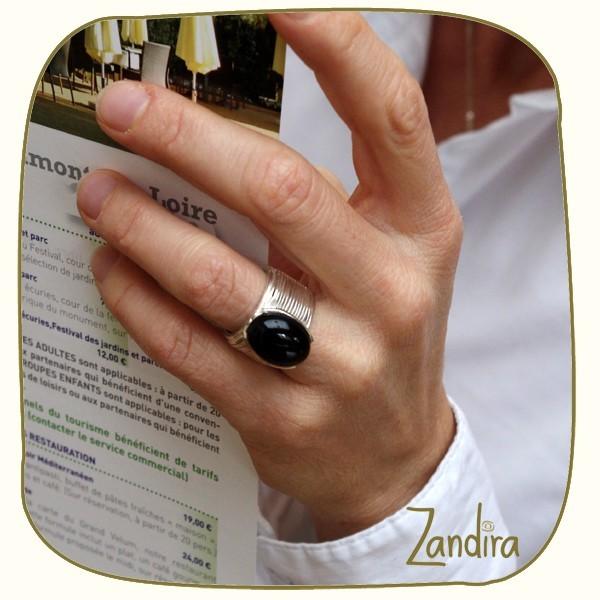 Bague fantaisie en argent et pierre noire (onyx)