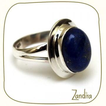 Lapis Lazuli montée sur bague simple en argent